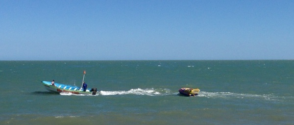 San Felipe watersports - Inflatable banana boat Image-2