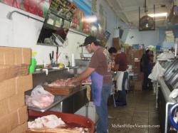 Alicia's Drive-through grocery store San Felipe - Butcher