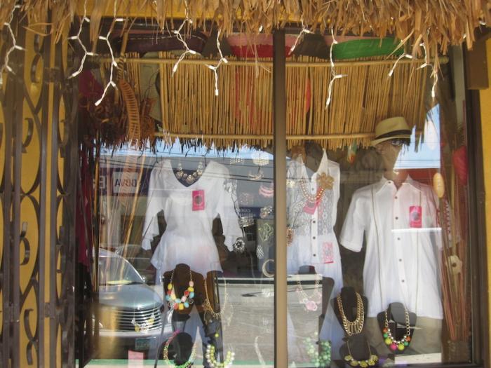 La Plazita - San Felipe's Office and Shopping Mini-Mall Image-4