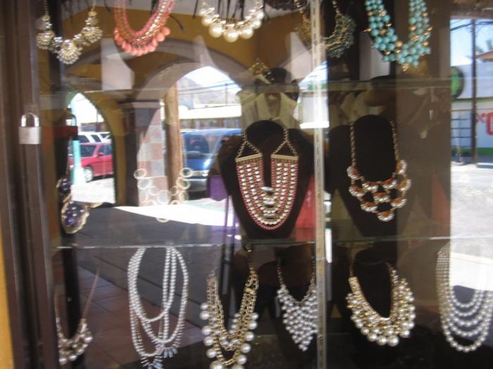 La Plazita - San Felipe's Office and Shopping Mini-Mall Image-3